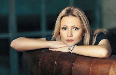 46-летняя Мария Миронова вышла замуж за актера, который на 19 лет моложе