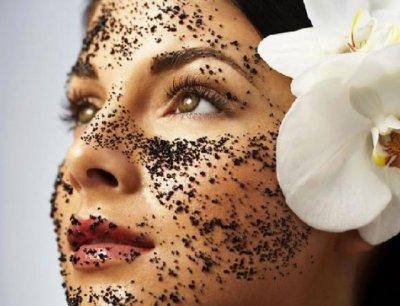 Эксперты рассказали, чем опасны скрабы для кожи и кому их нельзя использовать