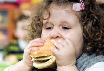 Ученые: дети с ожирением имеют поврежденный мозг