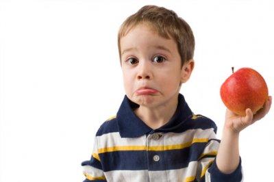 Эксперты рассказали, почему нельзя воспитывать детей вегетарианцами