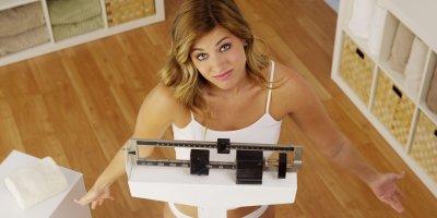 Диетолог рассказала, как успеть похудеть к Новому году без спорта