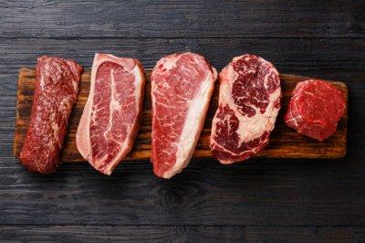 Врач ответил, должен ли человек есть мясо