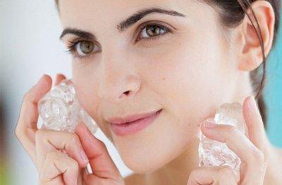 Косметолог рассказала, можно ли протирать лицо хлоргексидином