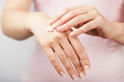 Дерматолог объяснила, почему нельзя разрезать тюбики косметических средств