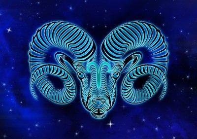 Павел Глоба назвал знаки Зодиака, которых ждет удача в конце апреля