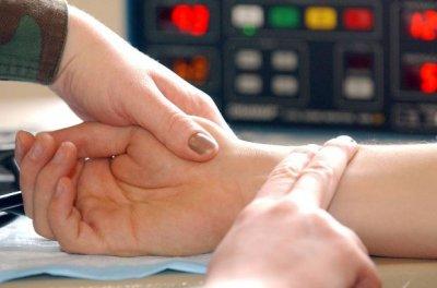 Врач рассказала, на какие болезни может указывать высокий пульс