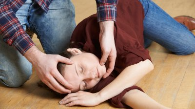 Эксперты рассказали, как помочь эпилептику до приезда бригады медиков