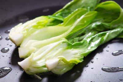 Названы продукты, которые помогут предотвратить развитие остеопороза