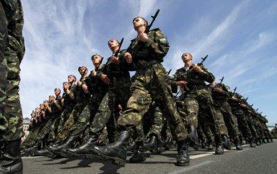 Украина официально перешла на контрактную армию