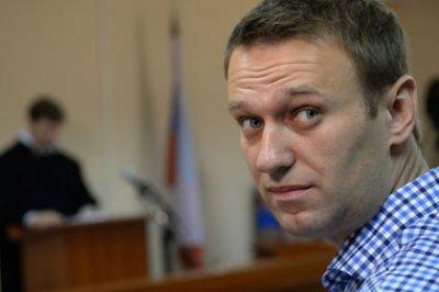 Навальный встал на учет в полиции и сообщил, что собирается мстить судьям, следователям и прокурорам