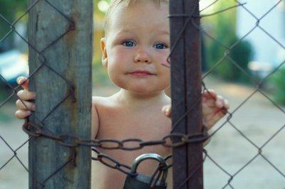 В Госдуму внесен законопроект, ограничивающий усыновление российских сирот за рубеж