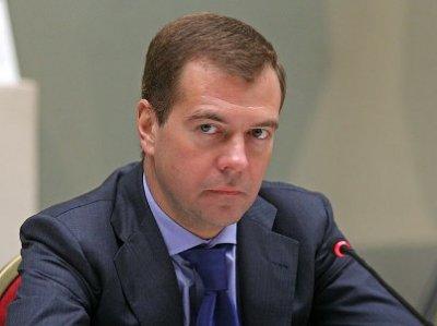 Медведев: Переход России и Беларуси на одну валюту возможен