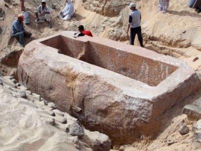 В Египте археологи нашли древнюю гробницу фараона Себекхотепа I