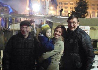 Михаил ходорковский прилетел в киев и