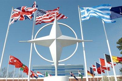 НАТО запретило российским дипломатам доступ в свою штаб-квартиру