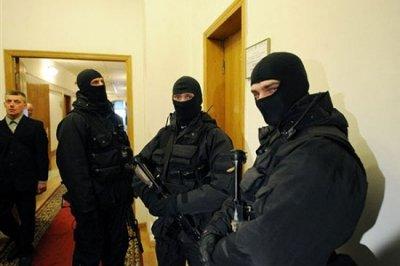 В Украине началась антитеррорстическая операция: Силовики зачистили здание СБУ в Донецке