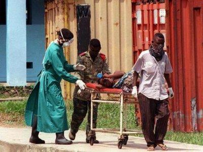 Вспышка лихорадки Эбола на западе Африки вышла из-под контроля