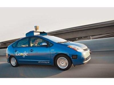 Беспилотный автомобиль Google появится на дорогах США этим летом