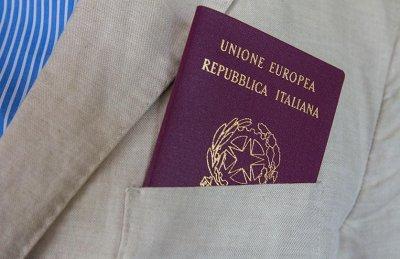 Житель Италии в 62 года получил первое в жизни удостоверение личности