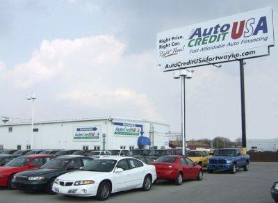 Долги американцев по автокредитам составили $1 трлн