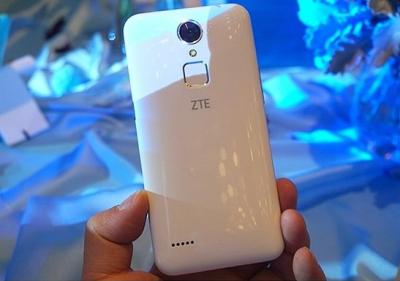 ZTE представила бюджетный смартфон со сканером отпечатков пальцев