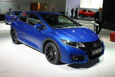 Honda презентовала новые версии Civic и CR-V