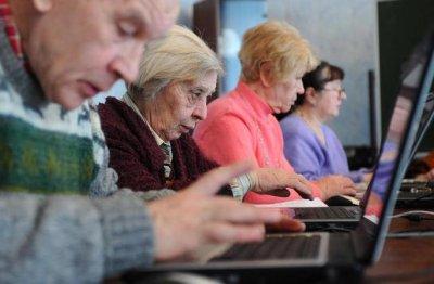 В Беларуси пенсионный возраст поднимают на три года