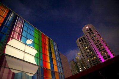 Квартальная выручка Apple упала впервые за 13 лет