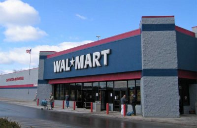 Сеть Walmart отказалась от работы с картами Visa в Канаде