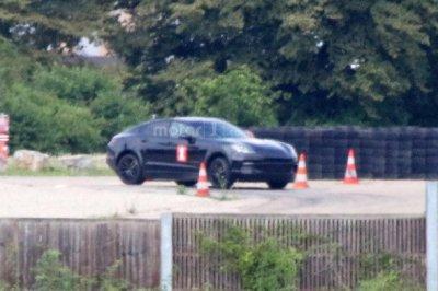 Porsche Cayenne нового поколения получит купеобразную версию