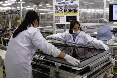Sharp в 2017 году планирует закрыть два своих завода в Японии