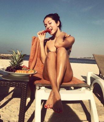 Нюша взбудоражила фанатов откровенным фото с пляжа