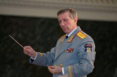 Картинки по запросу Художественный руководитель ансамбля, генерал-лейтенант Валерий Халилов