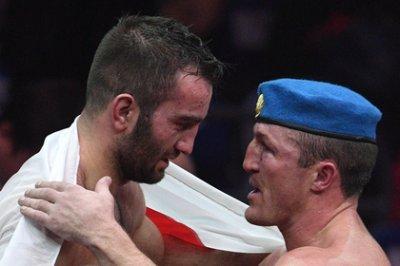 Мурат Гассиев, победив Дениса Лебедева, завоевал пояс чемпиона мира по боксу IBF