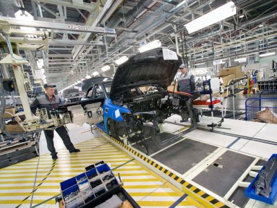 Петербургский завод Toyota начал работать в две смены
