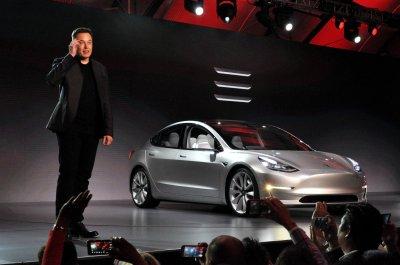 Tesla не смогла выполнить план по поставкам автомобилей на 2016 год