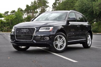 Audi озвучила стоимость и комплектацию обновленного кроссовера Q5