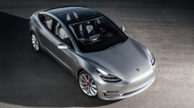 Стартует производство самой дешевой Tesla Model 3