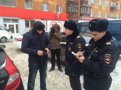 В Екатеринбурге неизвестный мужчина открыл стрельбу и взорвал гранату