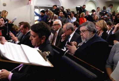 Журналистов CNN, NYT и Politico не пропустили на брифинг в Белом доме