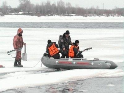 На Сахалине со льдины сняли всех рыбаков