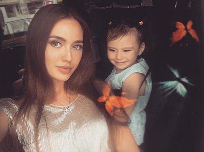 Любовница Дмитрия Тарасова Анастасия Костенко имеет 6-летнего ребенка