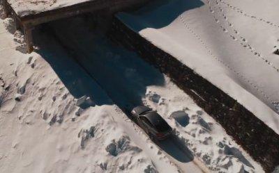 BMW испытала новый BMW X6 в заснеженных горах Румынии