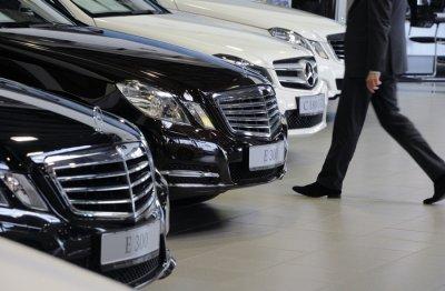 Названы самые популярные автомобили среди российских чиновников
