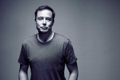 Илон Маск пообещал соединить мозг человека и компьютер за четыре года