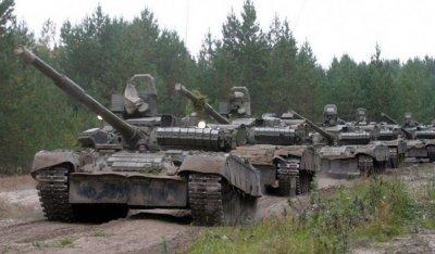 Военные объяснили перемещение техники у границы КНДР