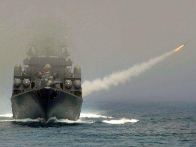 Корабли ВМФ РФ уничтожили склады с оружием ИГ на территории Сирии