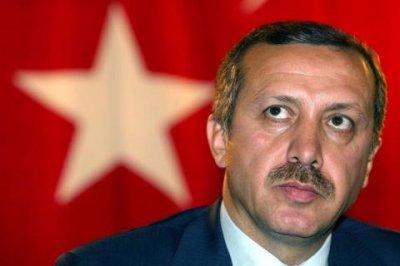 Во время молитвы в честь праздника Ураза-Байрам Эрдоган упал в обморок