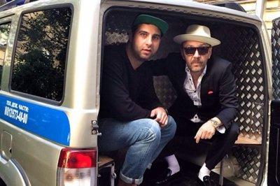 Шнуров и Ургант «сразились» друг  с другом в рэп-поединке