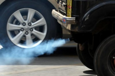 Франция прекратит продажу автомобилей с дизельными и бензиновыми двигателями